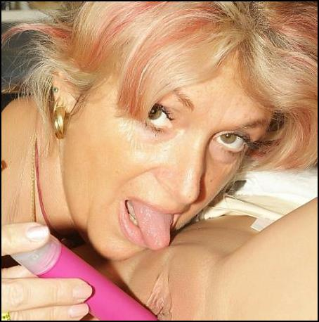 Mature Women Licks Younger G